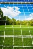 Red del fútbol y campo vacío del estadio de fútbol Imágenes de archivo libres de regalías