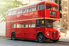 red för bussdäckaredouble Royaltyfri Foto