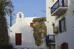 red för dörr för balkongbluekyrka ortodox arkivbilder