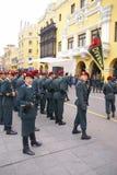 red för polis för baskerkvinnligtjänsteman Royaltyfri Bild