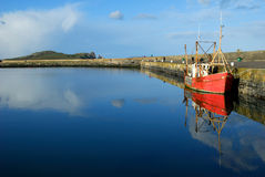 Red fishing boat in Howth Harbor - Ireland Royalty Free Stock Photos