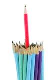 red för begreppsledareblyertspenna Arkivfoton