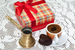 RED GIFT BOX BOW COFFEE CHOCOLATE HEART Royalty Free Stock Image