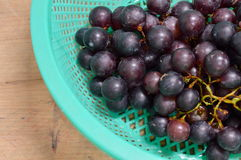 Red grape in basket Royalty Free Stock Photos