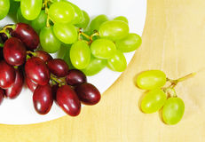 Red and green grapes Royalty Free Stock Images
