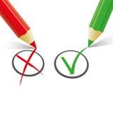 Red Green Pen Wrong Right Fotografie Stock Libere da Diritti