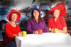 Red Hat-het Uur van de Dameskoffie stock fotografie