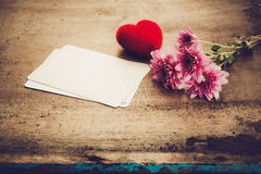 Red heart and vintage novel book Royalty Free Stock Photos