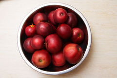Red juicy apples in a bowl Stock Photography