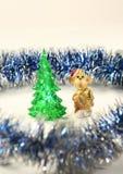 Red Monkey en los árboles verdes Fotografía de archivo libre de regalías