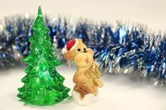 Red Monkey en los árboles verdes Imagen de archivo libre de regalías