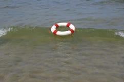 Red- och whiteräddningsaktionhjul Royaltyfria Bilder