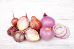 Red onion slices on white background.  Royalty Free Stock Photos