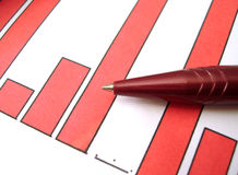 Red pen on diagram Royalty Free Stock Photography