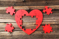 Free Red Puzzle Heart Royalty Free Stock Photography - 53043407