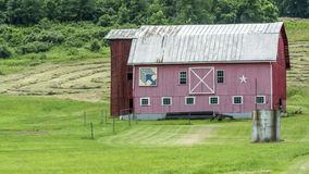 Red Quilt Barn in rural Ohio Royalty Free Stock Image