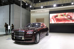 Red Rolls-royce, ghost extended wheelbase Royalty Free Stock Photos