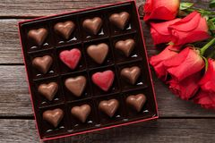 Free Red Roses And Chocolate Box Stock Photos - 133472993