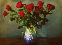 Red roses bouquet in vase Stock Photography