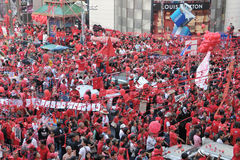Red Shirts Protest in Central Bangkok. BANGKOK - DECEMBER 19: An estimated 10,000 anti government Red Shirts defy an emergency decree to protest at Rachaprasong Royalty Free Stock Photography