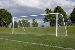 Red solitaria del fútbol imágenes de archivo libres de regalías