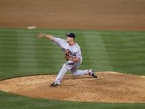 Red Sox som mer nära Jonathan Papelbon kastar en gradboll, kan ses Royaltyfri Fotografi