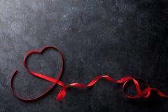 red steg Hjärta format rött band Royaltyfri Foto