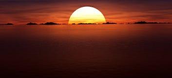Red Sun. Sunrise/Sunset over the shoreline Royalty Free Stock Photo