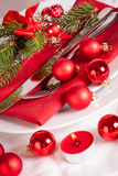 Red themed Christmas place setting Royalty Free Stock Photos