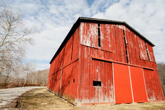 Red Tobacco Barn. Old red tobacco barn previously used to dry tobacco leaves in Ohio Stock Images