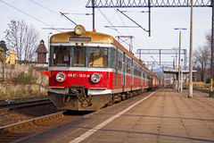 Red train on platform Royalty Free Stock Photography