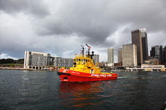Red Tug boat in Sydney Harbour Stock Photos