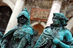 red ut bronze statyer Fotografering för Bildbyråer