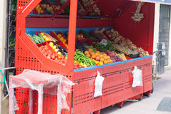 Red vegetable and fruit stand Royalty Free Stock Photos