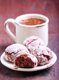 Red velvet crinkle cookies Royalty Free Stock Photos