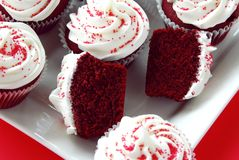 Free Red Velvet Cupcakes Royalty Free Stock Photos - 8181548