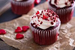 Free Red Velvet Cupcakes For Valentines Day Stock Photos - 65365803