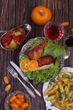 Red wine and chicken fillet submitted with a potato and vegetabl Royalty Free Stock Photography