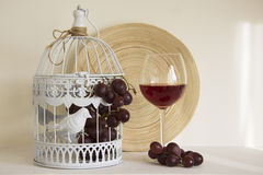 Red wine and dark grapes Royalty Free Stock Photo