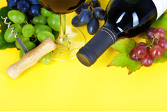 Red wine and fresh grape Royalty Free Stock Photography
