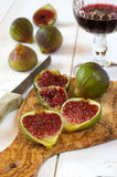Red wine and ripe figs Royalty Free Stock Photos