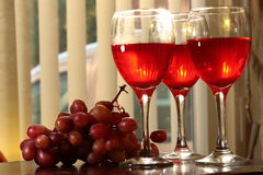 Red wine wine and grapes. Royalty Free Stock Images