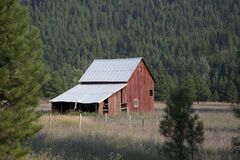 Red Wooden Barn during Daytime Stock Photo