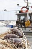 Red y boyas de pesca Imagen de archivo