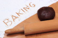 Redacte la hornada escrita en harina y pasta para el pan de jengibre Imagenes de archivo