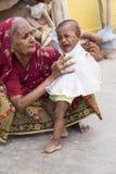 Redactie illustratief beeld Kind met grootouders Stock Afbeeldingen