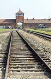 Redakcyjna haniebna ikonowa taborowa hasłowa brama buduje Birkenau Ger fotografia stock