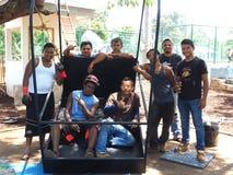 Redakcyjni pracownicy pozuje w parkowej Kukurydzanej wyspie Nikaragua Zdjęcie Stock