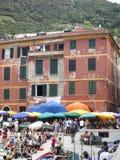 Redakcyjni turyści Vernazza Cinque Terre Włochy obraz royalty free