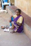 Redakcyjny illustrative wizerunek Biedna pracownik kobieta w India Zdjęcia Royalty Free